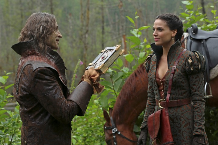 Once-Upon-a-Time-s2-rumple-regina