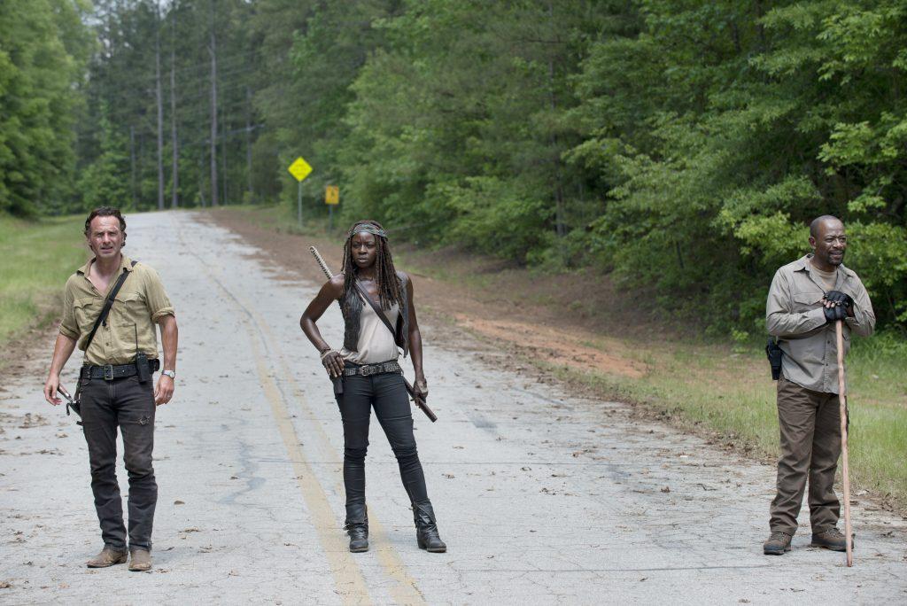 Rick-Michonne-and-Morgan-in-The-Walking-Dead-Season-6-Premiere