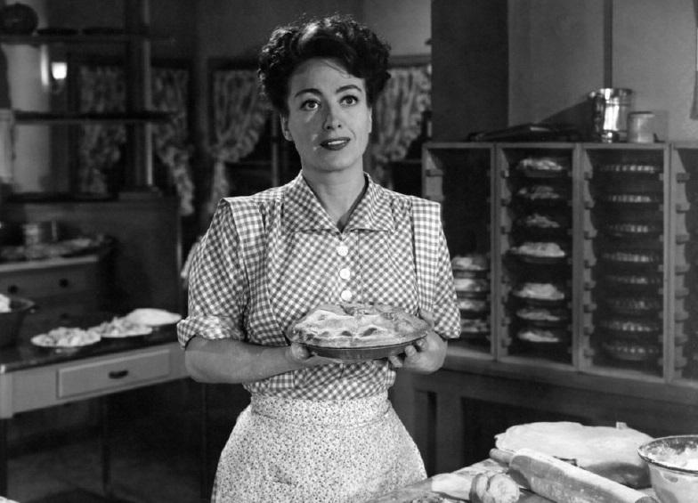Mildred-Pierce-apple-pies-2